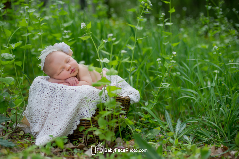 Her newborn pictures are beautiful newborn photographer frederick md outdoor newborn photography