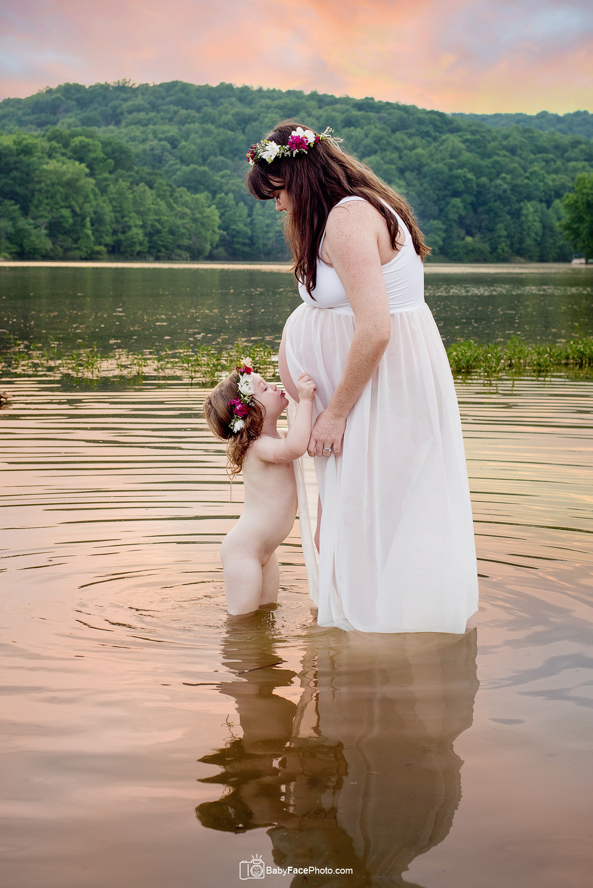 Maternity Photographer Frederick Md Twins Bump Baby Face