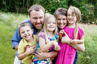 Outdoor Family Photography Frederick MD family hug