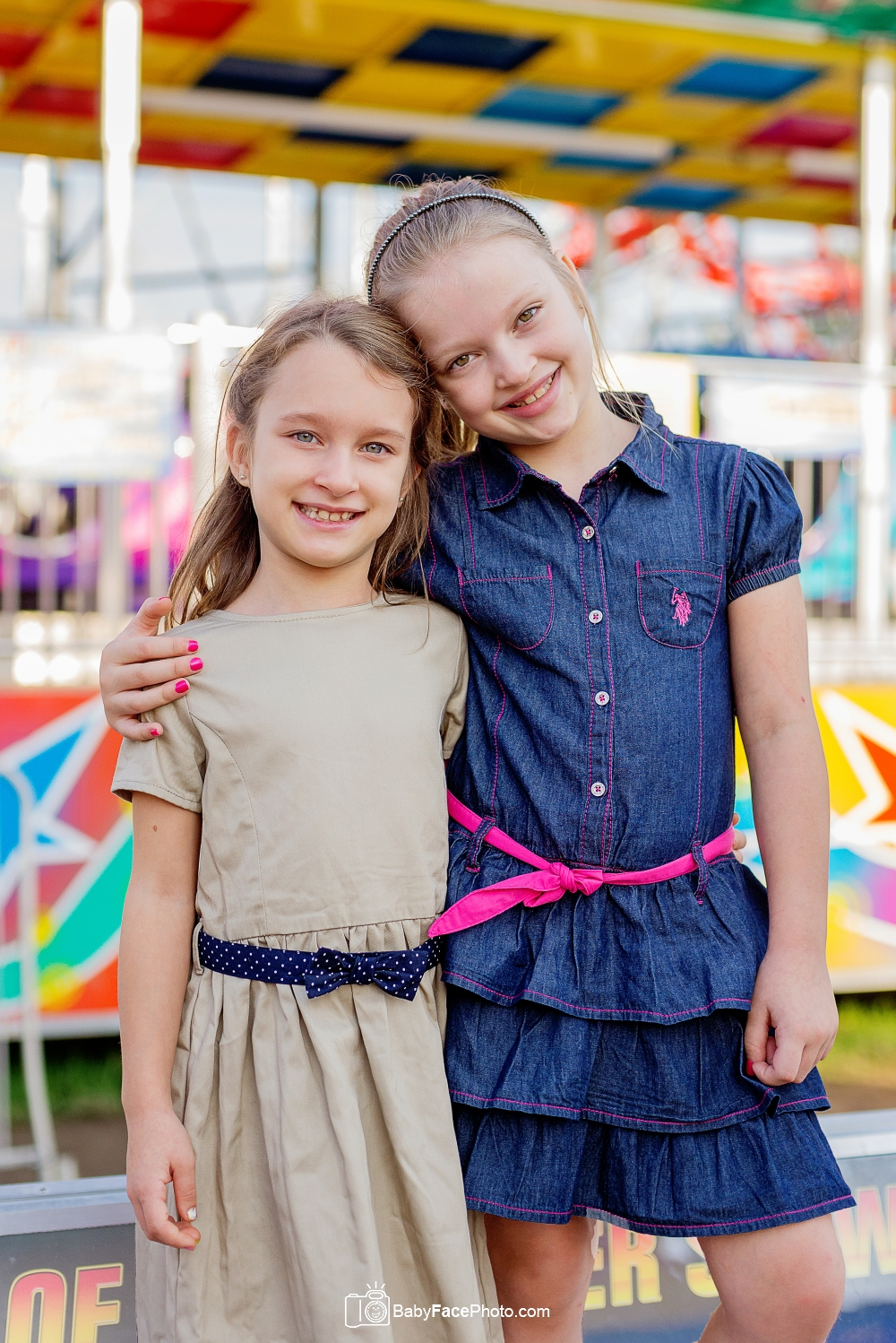 twin girls fair photo shoot