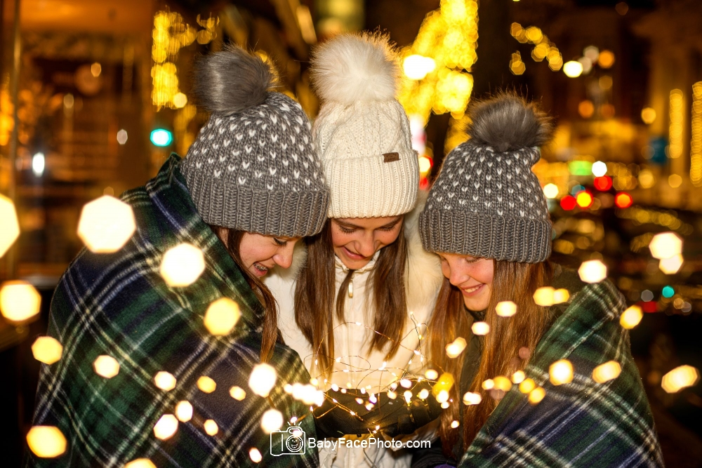 Downtown Frederick Christmas lights mini sessions